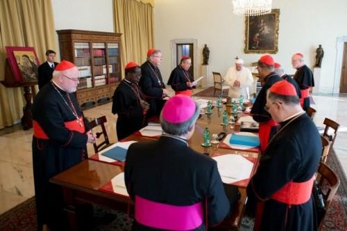 Le « G8  » du pape passe en revue les dicastères