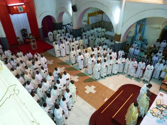 Le cardinal Philippe à ses diocésains : « priez pour vos prêtres. »