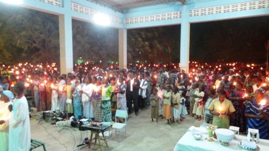 Célébration de la veillée pascale à Koupéla.