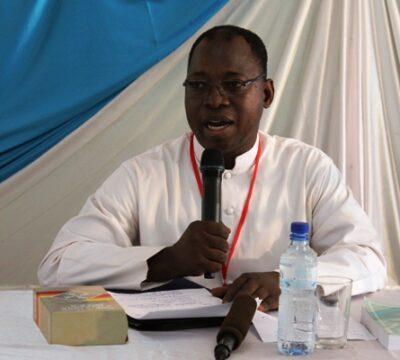 Une communication devant l'assemblée générale des prêtres africains.