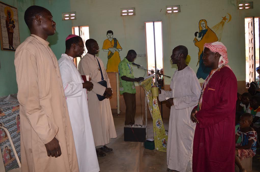Diocèse de Kaya: Mgr Thomas en visite pastorale à Barsalogho.