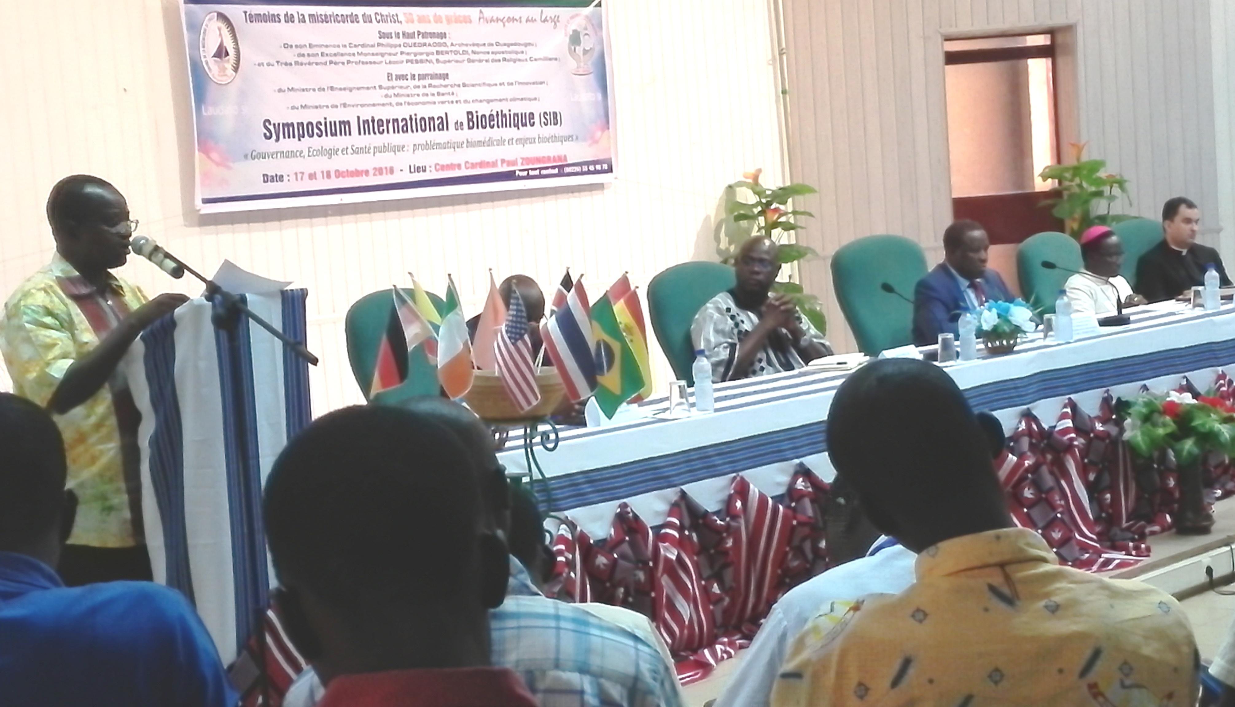 SYMPOSIUM INTERNATIONAL DE BIOETHIQUE ORGANISE PAR LE CENTRE DE RECHERCHE BIOMOLÉCULAIRE           A OUAGADOUGOU.