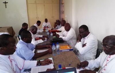 Les évêques participants à la session