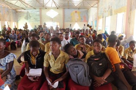 Marche de carême des élèves et fonctionnaires à Kaya.