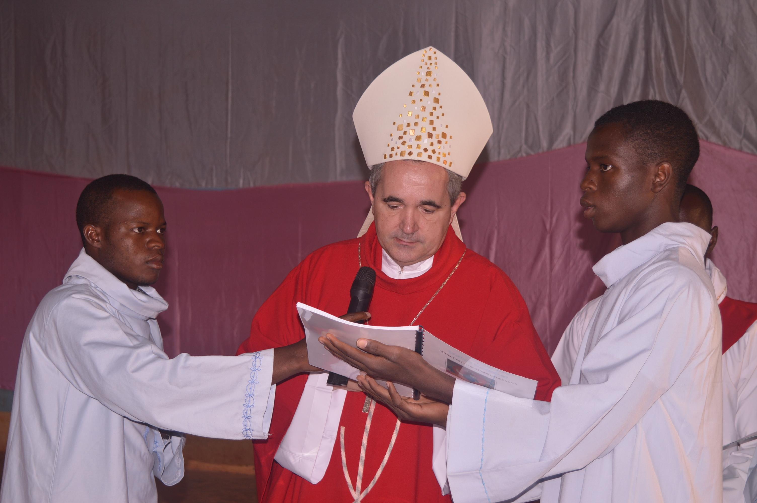 BURKINA FASO : Le nonce apostolique Mgr Piergiorgio Bertoldi ouvre le synode diocésain de Kaya