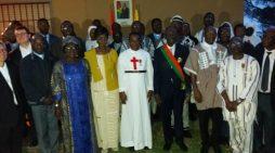 VATICAN : LE GRAND CHANCELIER DES ORDRES BURKINABÉ DÉCORE DEUX RELIGIEUX PRÊTRES